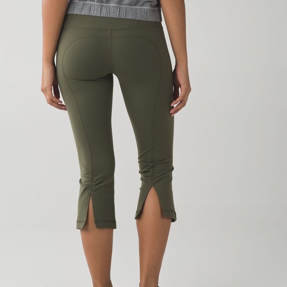 Lululemon Gather & Crow Crop II Fatigue Green